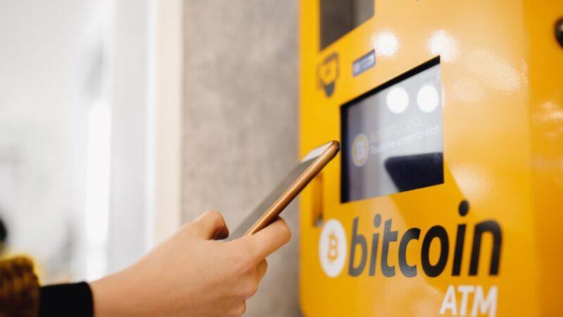 Salvadoranen verkopen steeds meer dollars om Bitcoin te kopen
